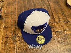 Chicago Cubs 1969 Oversized Cub Face Royal White New Era Fitted Hat 7 1/8
