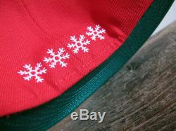 RARE Christmas Mistletoe New Era 59FIFTY Red Fitted Cap sz 8 holiday santa claus